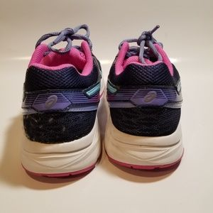 Asics Shoes - SALE!!! ASICS WOMANS GEL CONTEND 3 SIZE 6.5
